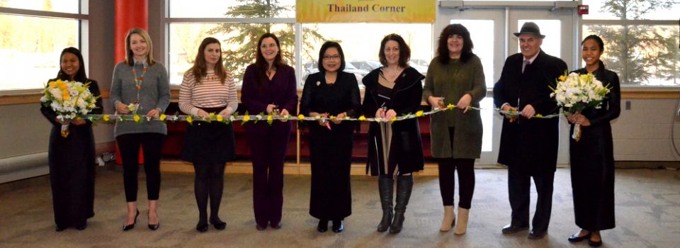 Royal Thai Consulate-General in Vancouver Organized Thailand Corner at Wood Buffalo Regional Public Library